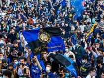Фанаты «Интера» заполонили центральную площадь Милана
