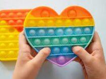 Психолог предупредила родителей об опасности популярной у подростков антистресс-игрушки