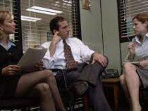 Врач назвал опасную позу для работы в офисе