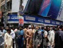 Власти Пакистана вводят ограничения для тех, кто отказался прививаться