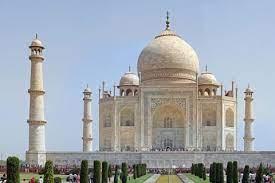 В Индии после двухмесячного перерыва открыли Тадж-Махал