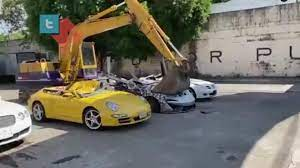 Таможня Филиппин безжалостно уничтожила люксовые контрабандные авто