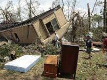 Жители Чехии приходят всебя после разрушительного торнадо