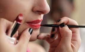В косметике мировых брендов обнаружены токсические вещества