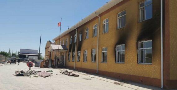 В селе Максат Лейлекского района восстанавливают сгоревшую школу