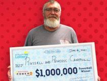 Мужчина три недели ходил с миллионом долларов в кошельке и не знал об этом