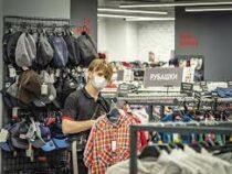 Ретейлеры ожидают рост цен на одежду и обувь осенью