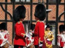 В Виндзорском замке возобновлена церемония смены караула