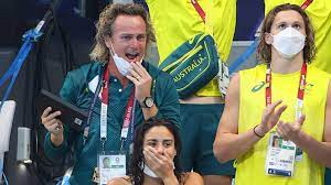 Реакция тренера на победу подопечной на Олимпиаде стала мемом в Сети