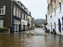 В связи с угрозой наводнения в  Нидерландах  эвакуируют около 15 тыс. граждан