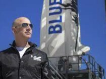 Компания  Безоса планирует еще два космических полета в этом году