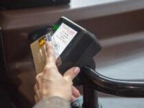 Жители Бишкека теперь смогут оплачивать за проезд банковскими картами