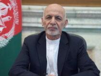 Президент Афганистана улетел из страны с набитыми деньгами машинами