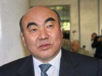 Бывший президент Аскар Акаев, находящийся в розыске, доставлен в Бишкек
