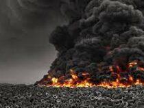 В Кувейте горит самая крупная в мире свалка автомобильных шин