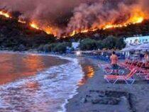 В Греции, за сутки число лесных пожаров выросло более чем в полтора раза