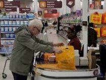 Власти Великобритании привлекут военных для доставки еды в супермаркеты