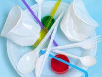 В Великобритании могут запретить пластиковые вилки и стаканчики