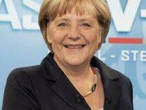 Ангелу Меркель увековечили в золоте