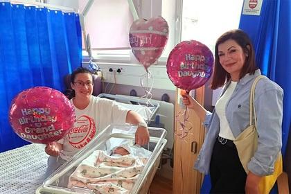 Девочка родилась в один день с матерью и бабушкой