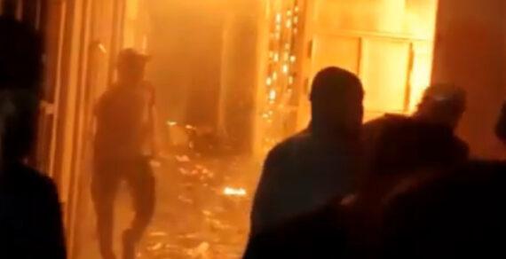 Крупный пожар произошел на рынке в Кызыл Кие