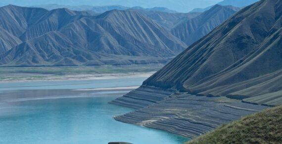 Объем воды в Токтогульском водохранилище падает