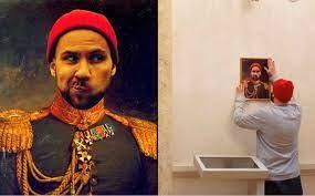 Эрмитаж пожаловался в прокуратуру на посетителя, который повесил в музее свой портрет