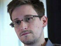 Эдвард Сноуден назвал более здоровым мир, где на несколько часов перестал работать фейсбук