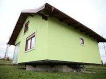 Босниец построил вращающийся дом, потому что устал от жалоб жены на однообразный вид