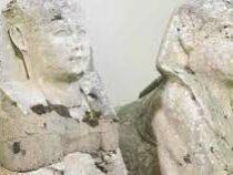 Британская семья обнаружила в своем саду древнеегипетские статуи