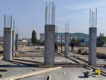 Строительство детсада в жилмассиве «Кара-Жыгач» в Бишкеке продолжается