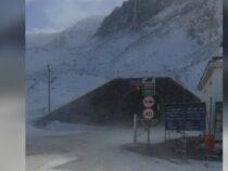 На перевале Тоо-Ашуу и в Суусамырской долине выпал снег